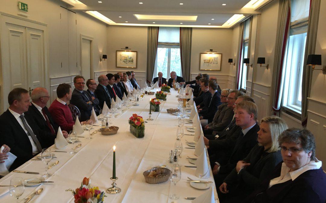 Management-Treffen der NAVIS AG im Anglo-German Club an der Alster