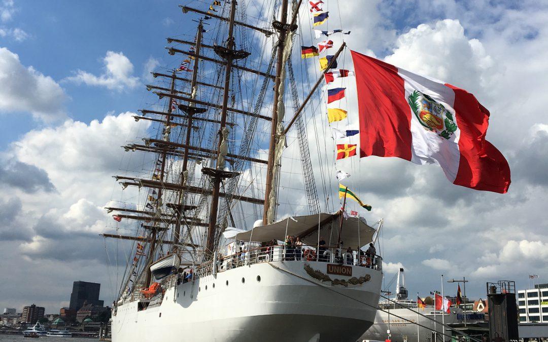 Segelschulschiff B.A.P. Unión zu Besuch in Hamburg