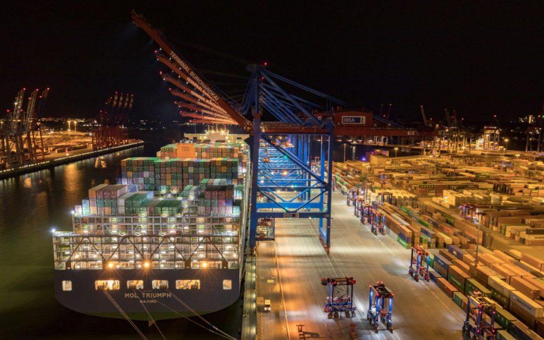 Hamburger Hafen – aufgrund anhaltender Stürme haben 2 große Containerterminals derzeit große Kapazitätsengpässe