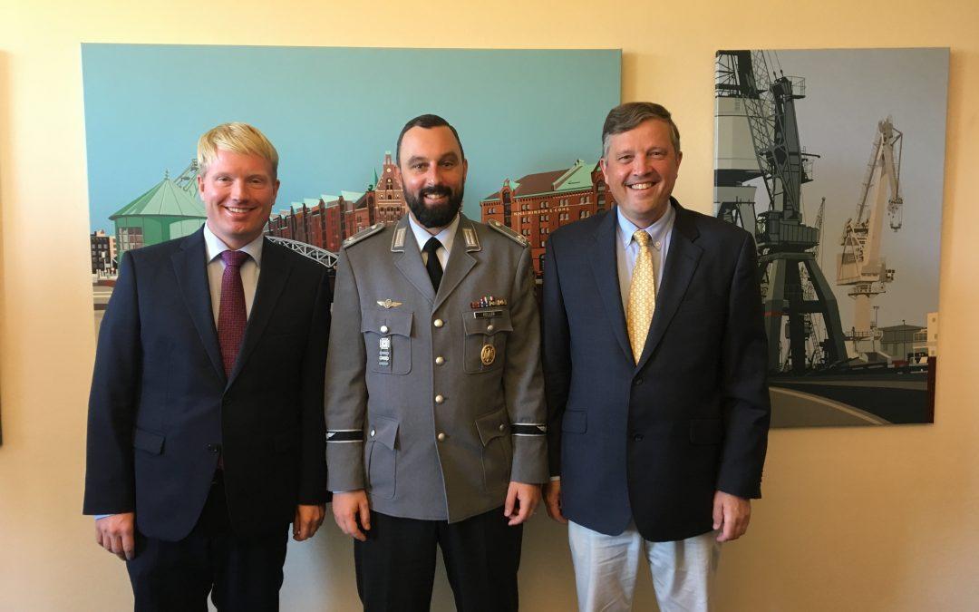 Volontär von der Führungsakademie der Bundeswehr zu Besuch