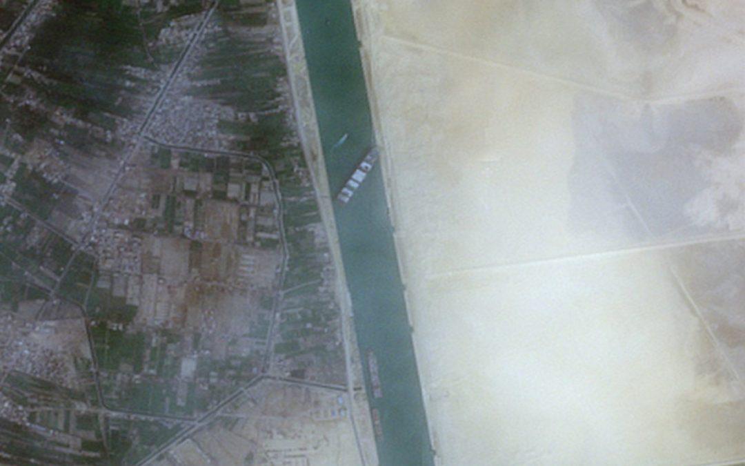"""Suezkanal – Schiffsverkehr nach Havarie der """"Ever Given"""" wieder freigegeben –  langsamer Abbau des Rückstaus"""